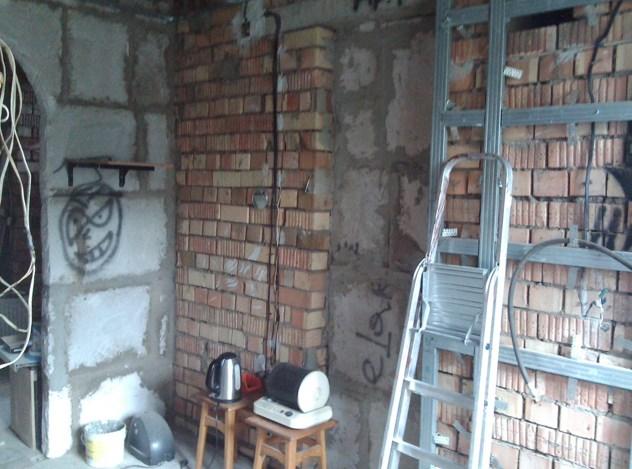 Помещение до отделки стен